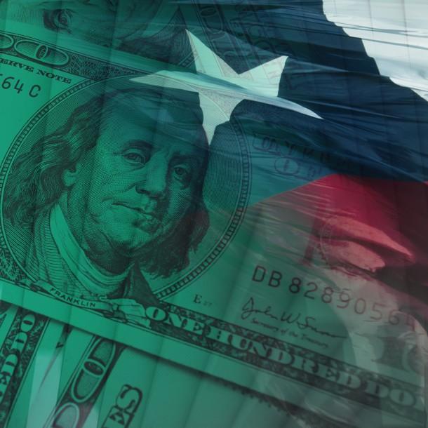 Dólar cierra al alza y supera barrera de los $800