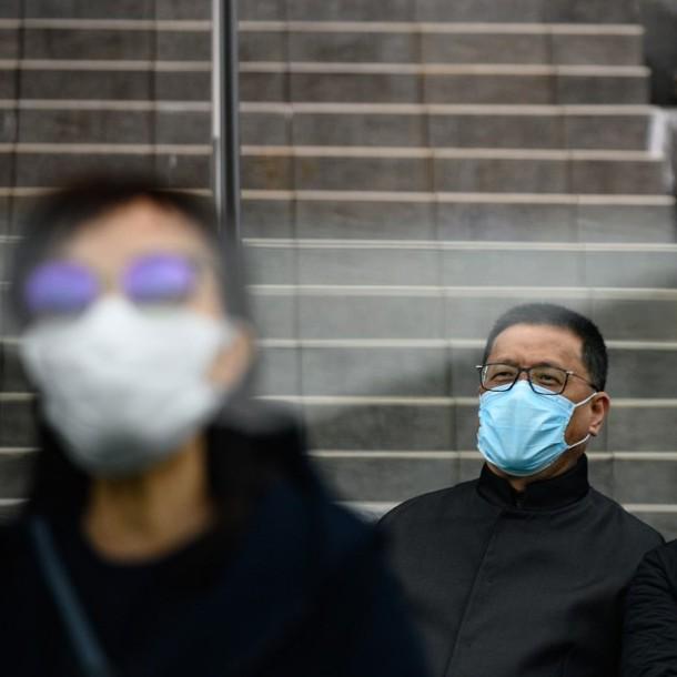 Número de fallecidos en China por coronavirus aumenta a 2.233