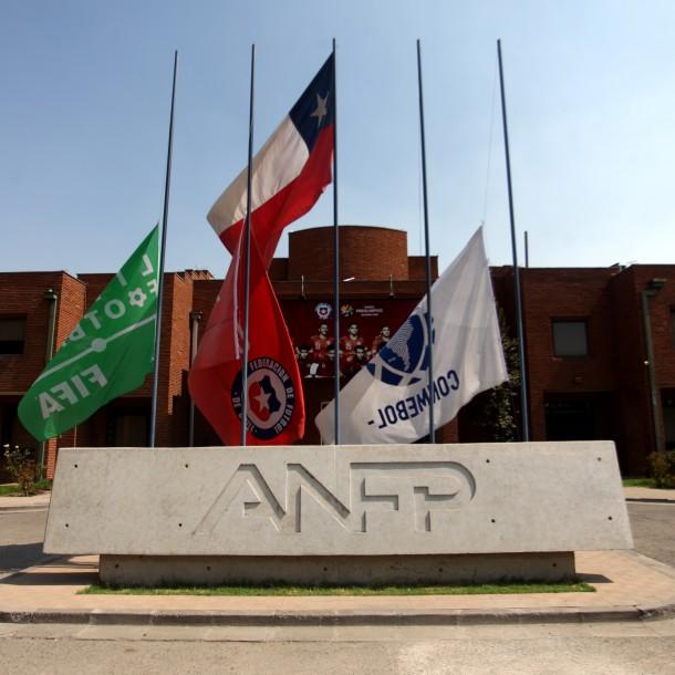 ANFP castiga a Coquimbo Unido y Universidad Católica por hechos de violencia en estadios