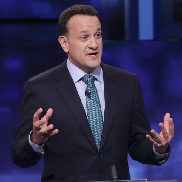 Primer ministro irlandés renuncia a su cargo mientras parlamento elige a su sucesor