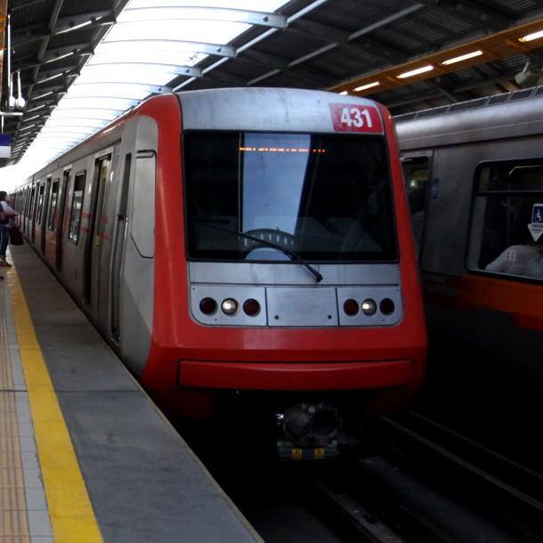 Metro de Santiago suspende parte de su servicio en la Línea 4