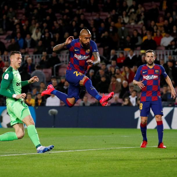 Sigue el partido Barcelona de Arturo Vidal vs. Eibar por la Liga de España