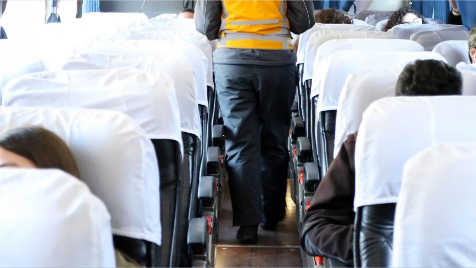 Buscan a pasajeros de bus Mendoza-Viña del Mar que viajó con mujer que murió de meningitis