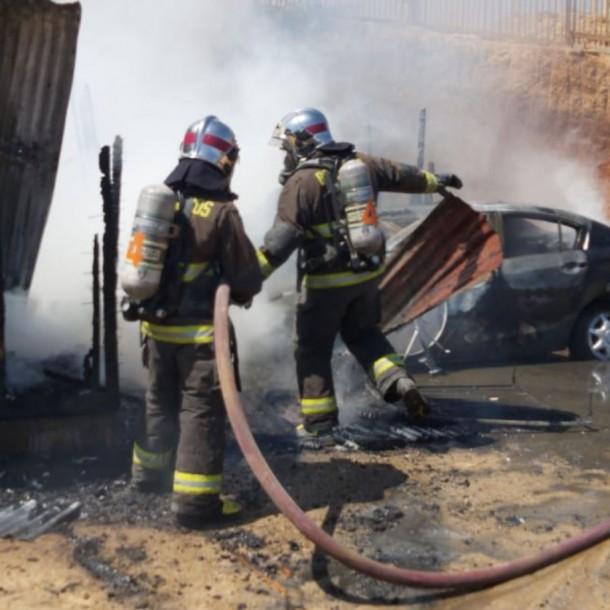 Una madre y sus dos hijos menores de edad mueren en incendio en Villa Alemana