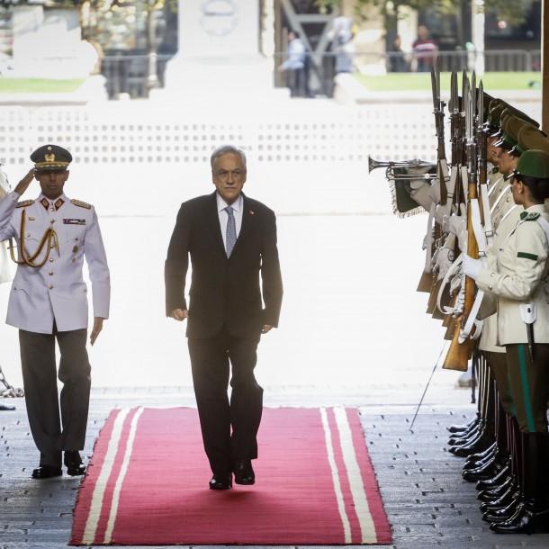Presidente Piñera pone fin a sus vacaciones y vuelve este lunes al Palacio de La Moneda