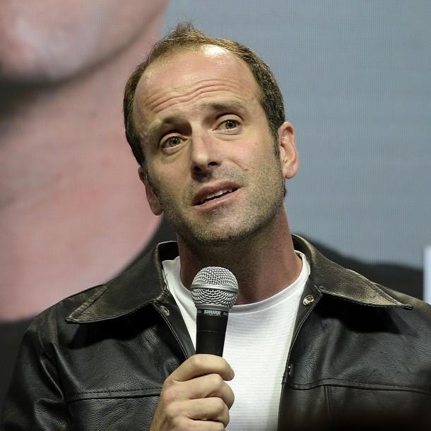Stefan Kramer revela que apedrearon su van camino al festival