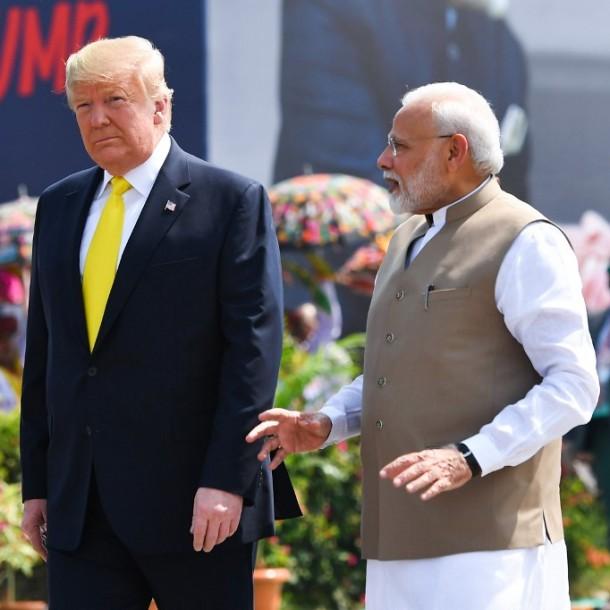 Donald Trump llega a India para una visita de Estado de dos días
