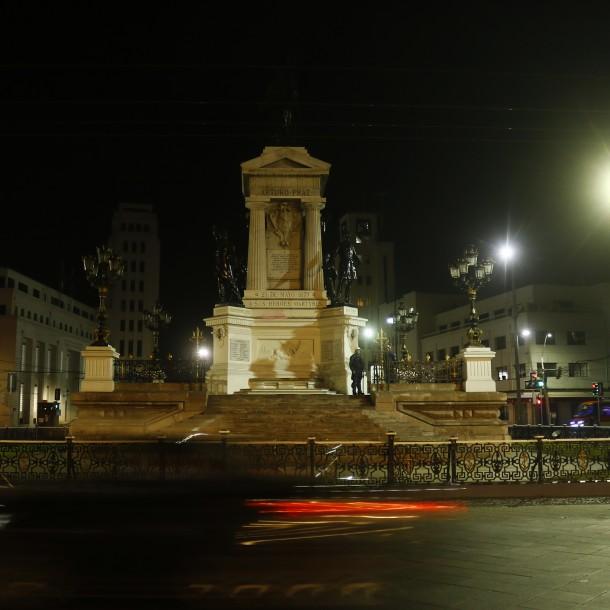 Ataque a tumba de Prat: Presentan querella por daños e invocan la Ley de Monumentos