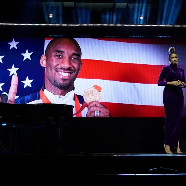 Sigue en vivo el multitudinario homenaje a Kobe Bryant y su hija