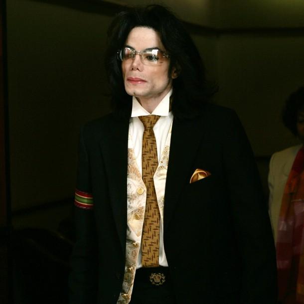 Estaba calvo y con cicatrices: los escalofriantes datos sobre el cuerpo de Michael Jackson