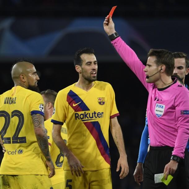 Arturo Vidal fue figura hasta la expulsión en igualdad del Barcelona en la Champions