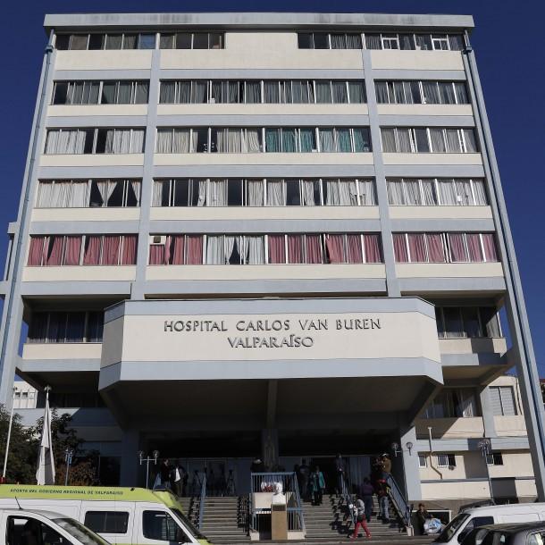 Mujer se encuentra internada en Valparaíso tras sospecha de coronavirus
