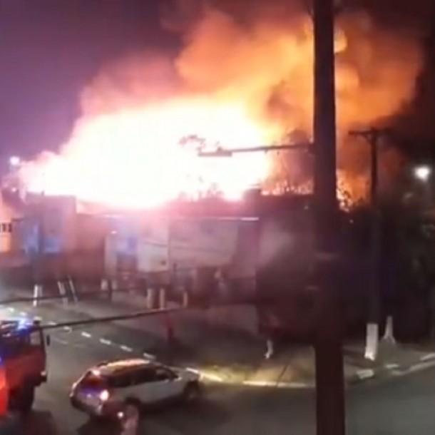 Incendio destruye por completo el Club Social Lautaro en la región de La Araucanía