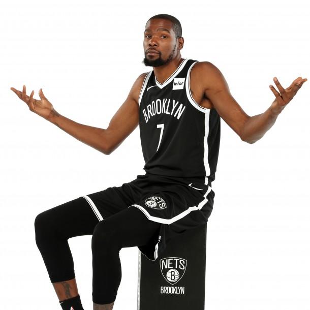 Kevin Durant pide a la NBA autorizar el consumo de marihuana: