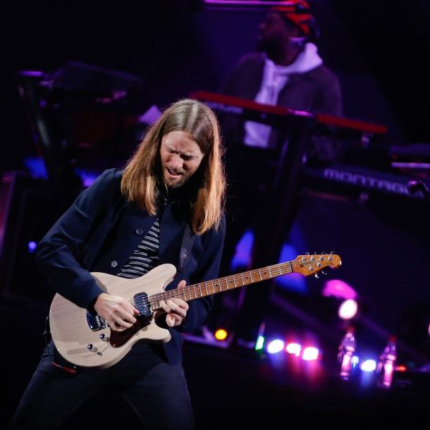 Jean Philippe Cretton reacciona por comparación con guitarrista de Maroon 5