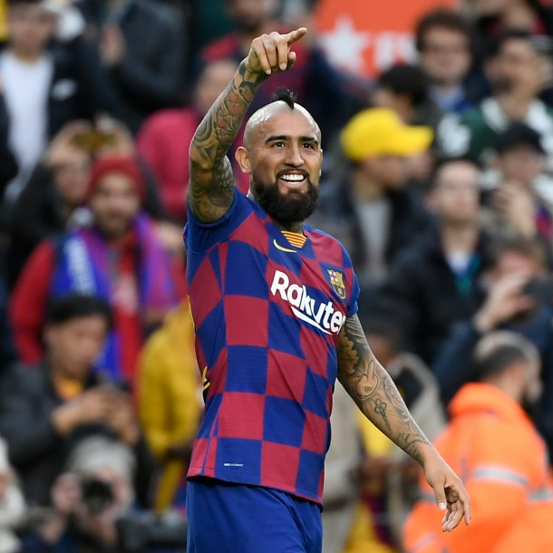 Medios españoles aseguran que Vidal sería titular ante el Real Madrid este domingo