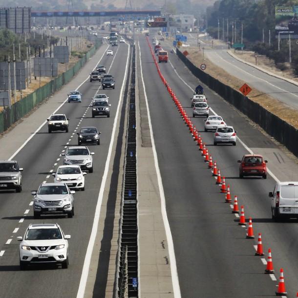 Peaje a $1.000 y 3x1: Revisa las medidas en autopistas para el retorno a Santiago tras vacaciones