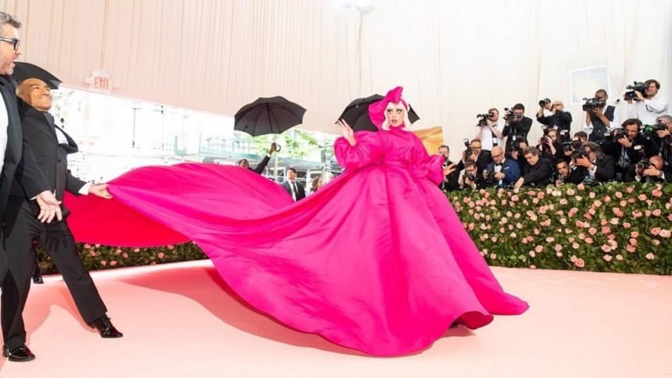 Así es cómo Lady Gaga regresa al Pop: Más rosa y fucsia que nunca y con videos grabados con Iphones