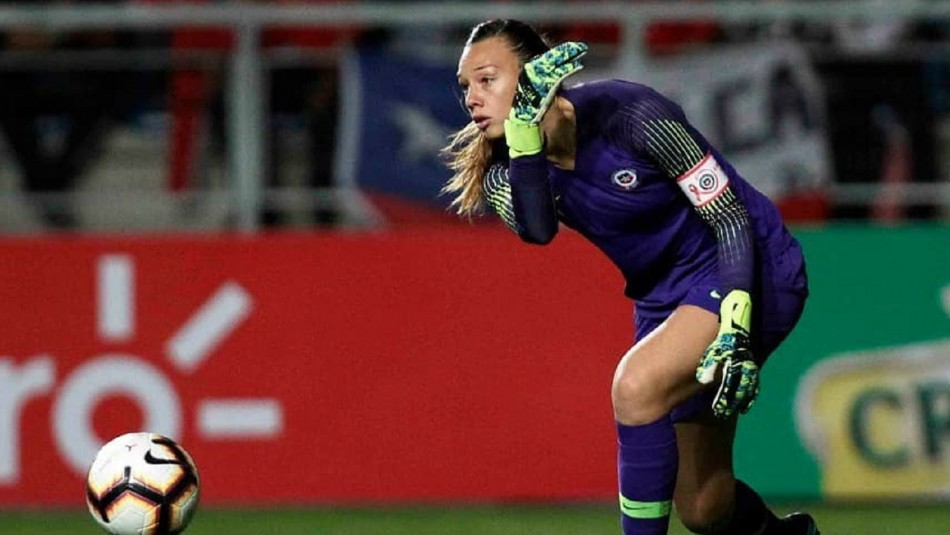 Christiane Endler no juega amistoso de la Roja.