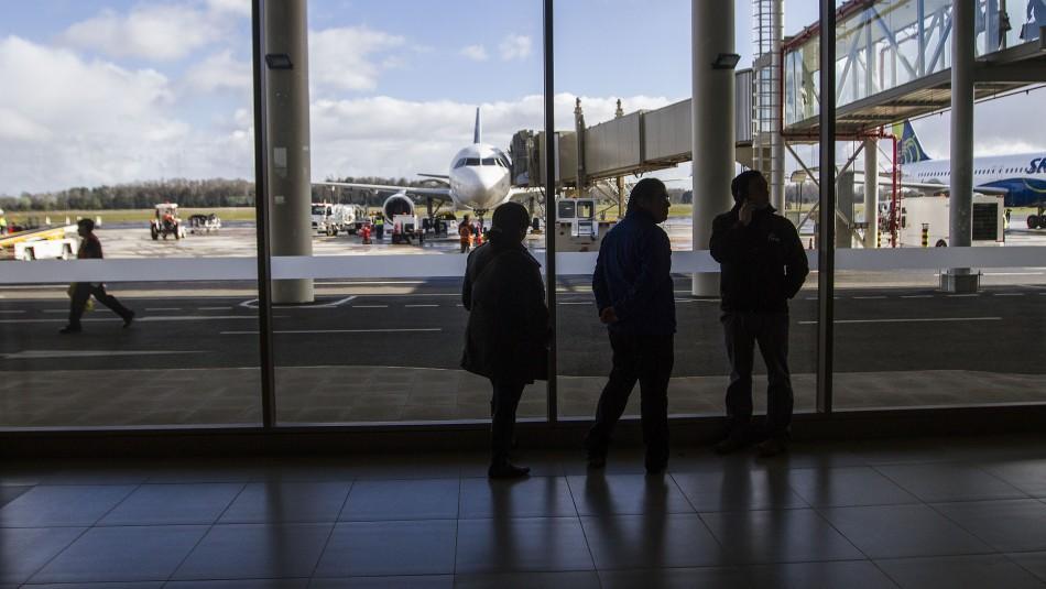 Gobierno denuncia a hombre contagiado de coronavirus que viajó en avión a Temuco