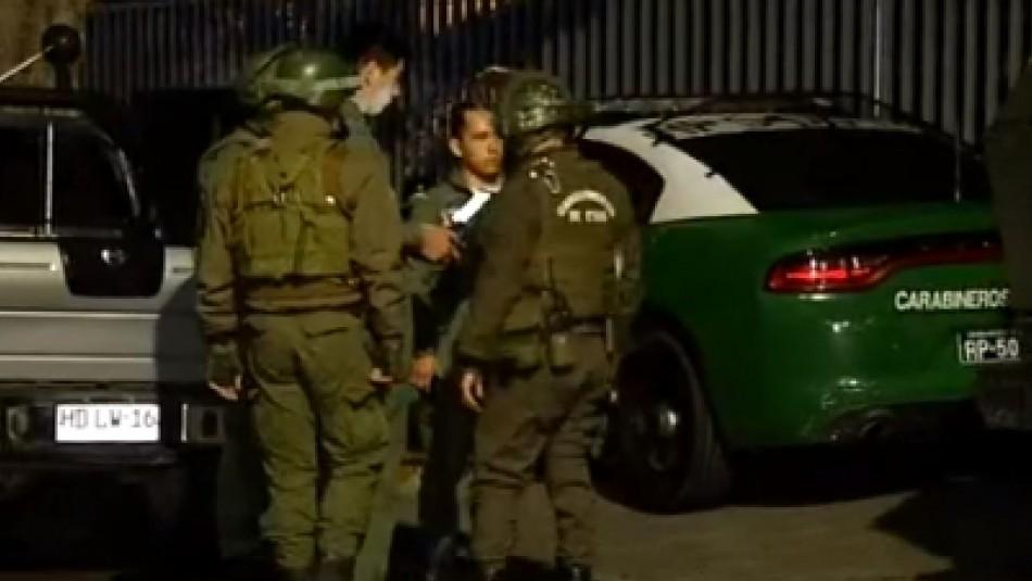 Siete carabineros resultaron heridos tras intento de saqueo en Melipilla