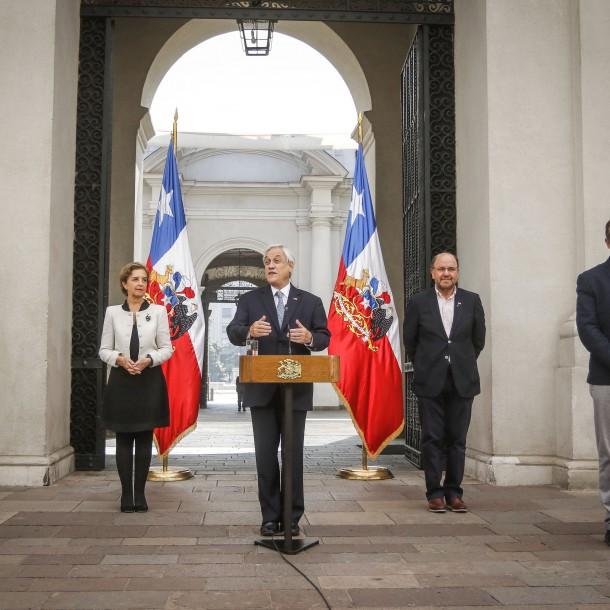 Piñera anuncia plan de ayuda para el pago de cuentas básicas durante el Estado de Catástrofe