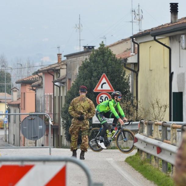 Pueblo italiano logra controlar la expansión del coronavirus