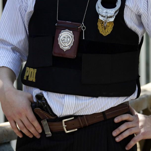 Funcionario de la PDI disparó a asaltante y lo dejó en estado grave tras frustrar asalto en Lo Espejo
