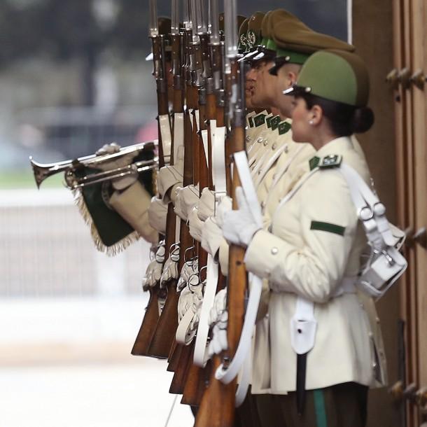 Carabinero perteneciente a la Guardia de Palacio de La Moneda dio positivo por coronavirus