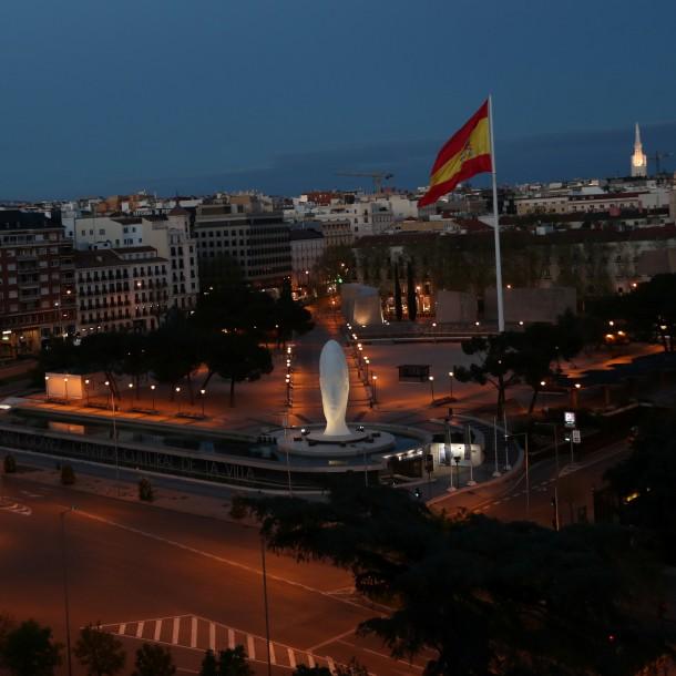 Coronavirus: La emotiva nota de la televisión española que sacó aplausos en redes sociales