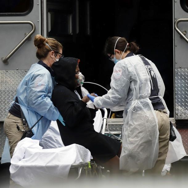 Estados Unidos supera las 2.000 muertes por causa del coronavirus