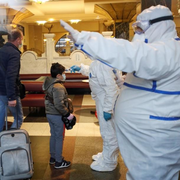 Rusia cierra totalmente sus fronteras para frenar la pandemia de coronavirus