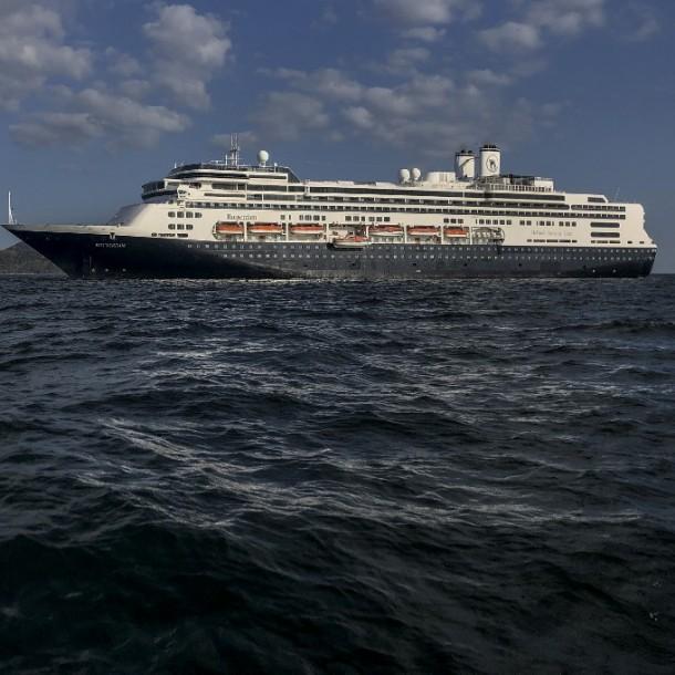 Argentino recluido por Covid-19 en crucero que tenía destino a Chile: