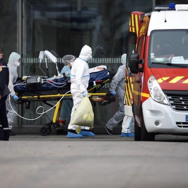 Francia supera los 3 mil muertos por coronavirus tras sumar más de 400 decesos en 24 horas