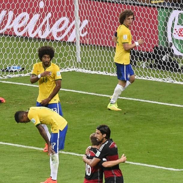 Subastan mallas del histórico triunfo de Alemania por 7-1 ante Brasil para combatir el coronavirus