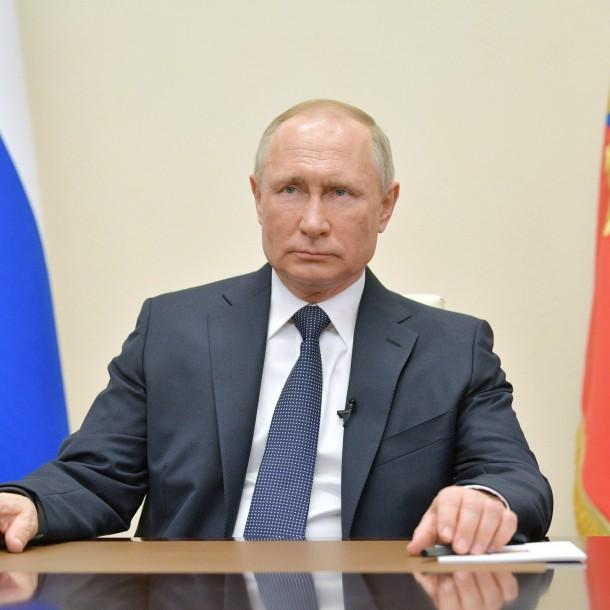 Vladimir Putin declara mes de abril como periodo de asueto con derecho a sueldo