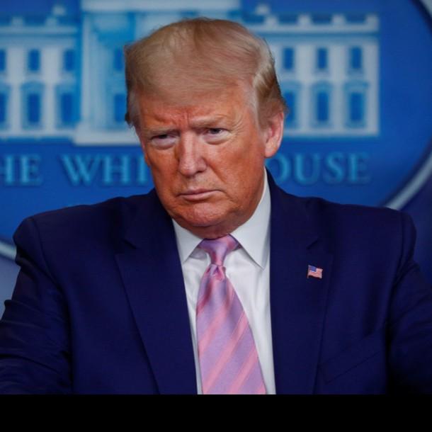 Donald Trump llama a los estadounidenses a cubrirse la cara pero aclara que él no lo hará