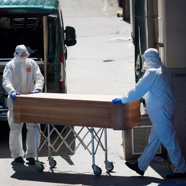 España registra 809 muertes por coronavirus en las últimas 24 horas