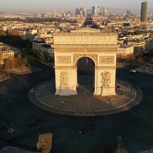 Al menos 7.560 muertos en Francia por coronavirus: Varios cientos en residencias geriátricas