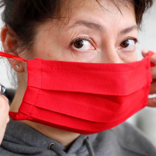 COVID-19 en Chile: Ministerio de Salud enseña cómo usar y quitarse una mascarilla
