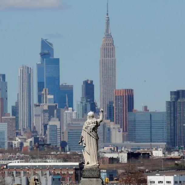 Fallecidos por coronavirus podrías ser enterrados en parques de Nueva York temporalmente