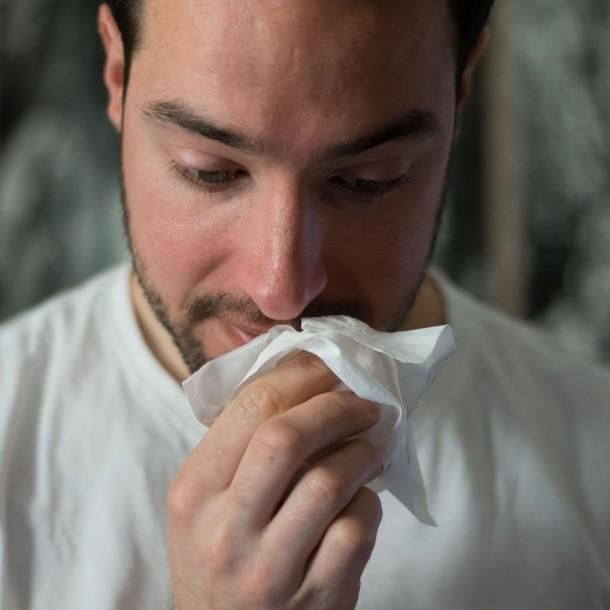 Médico francés: Es positivo de coronavirus si pierde el olfato y el gusto sin congestión nasal