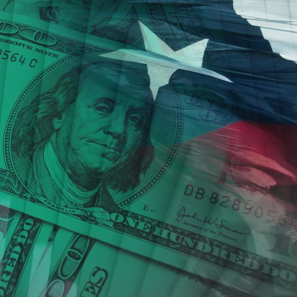 Dólar cierra con leve alza y se mantiene sobre los $850