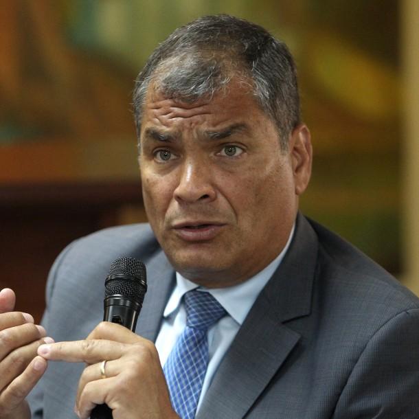 Expresidente de Ecuador Rafael Correa es condenado a 8 años de cárcel por corrupción