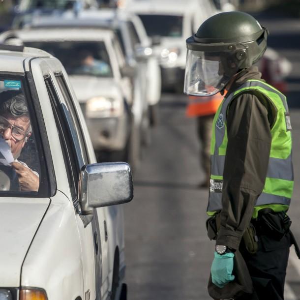 Las millonarias multas que arriesgan quienes no cumplan la cuarentena o no usen mascarilla en transporte