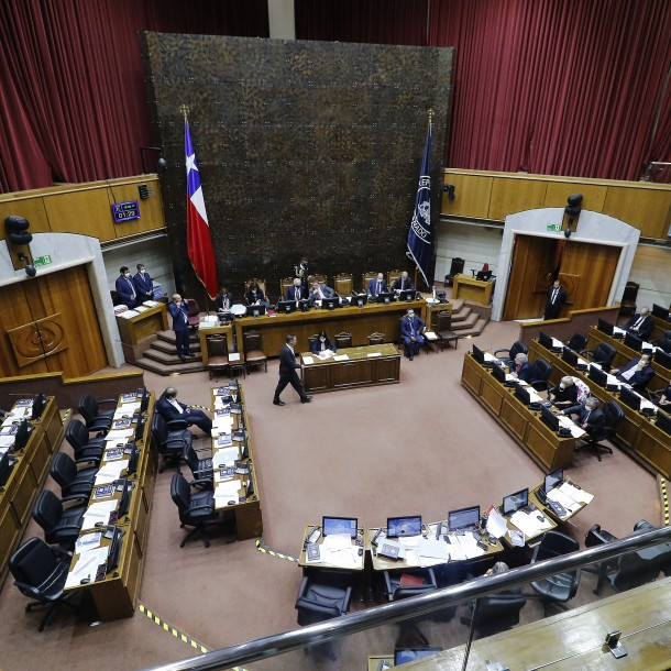 Senado declara inadmisible proyecto que suspendía por un año el alza de los planes de isapres