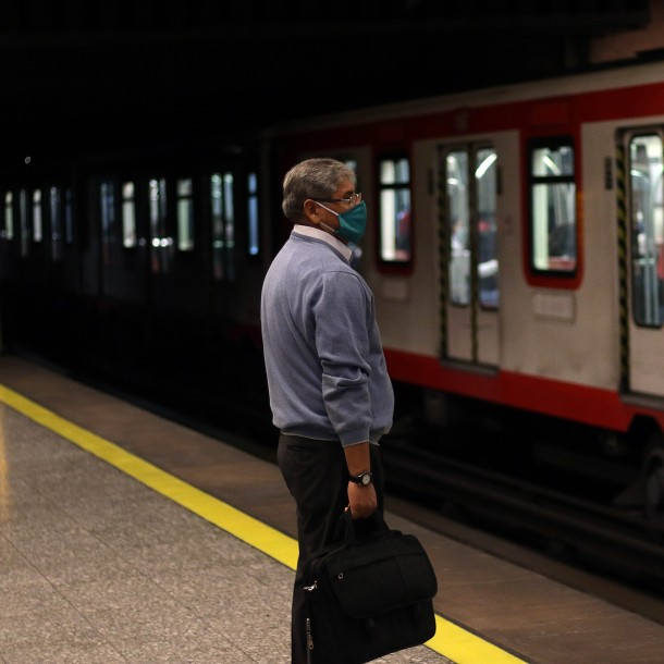 Vuelve a funcionar la estación Baquedano del Metro