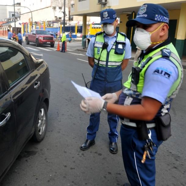 Ecuador castigará con hasta tres años de cárcel a contagiados que violaron la cuarentena