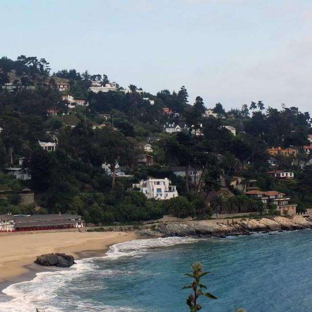 Residentes rayan autos y denuncian traslados en helicóptero en balnearios de la región de Valparaíso