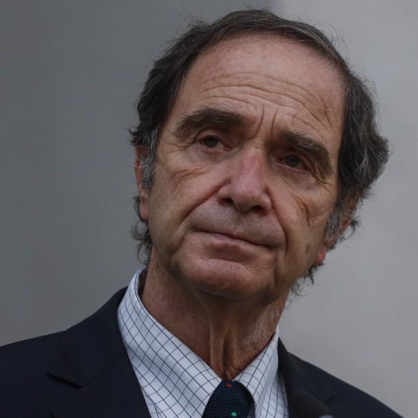 Ministro Larraín aclara que si se incluye a presos por DD.HH en indulto